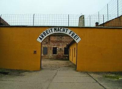 La citta che Hitler regalò agli ebrei Theresienstadt
