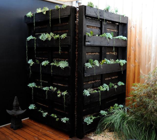 ideias originais jardim : ideias originais jardim:Nós adoramos ideias originais com paletes de madeira . Que tal se os