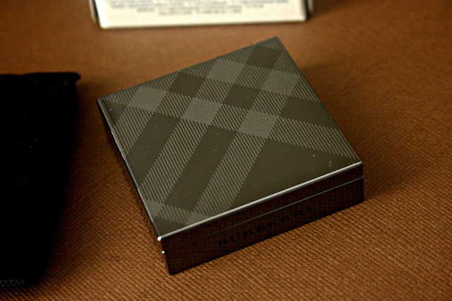 Burberry Beauty Sheer Eye Shadow in Pale Barley