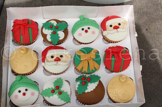 christmas cupcakes, cupcakes, santa cupcakes, holiday cupcakes, holiday cakes, christmas cakes, cakes in nigeria, nigerian cakes, christmas cake ideas