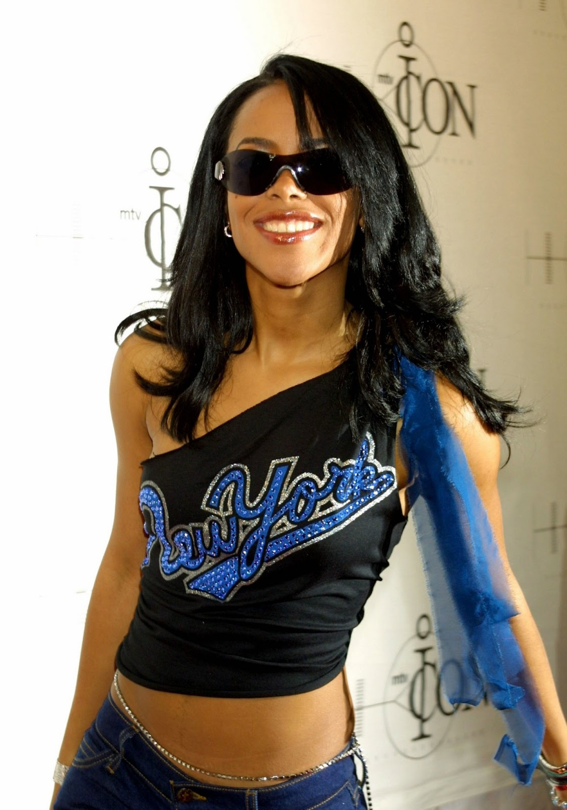 Crash Beautiful aaliyah dana american fashion model and music artist