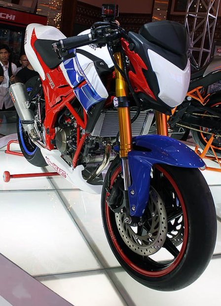 Modifikasi Honda CB150R Street Fighter Terbaru