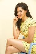 Sakshi chowdary sizzling pics-thumbnail-10