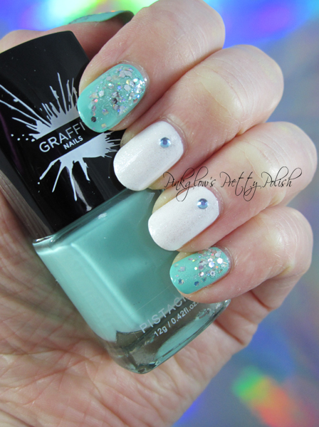 Graffiti-nails-pistachio-and-glitter-nail-art.jpg