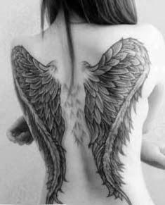 Desenhos de tattoos femininas delicadas de asas