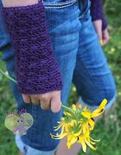 Bonnie Bell Wrist Warmers by Two Brothers Blankets