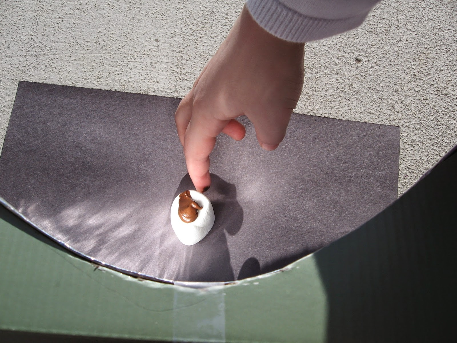 how to make a solar cooker with a shoebox