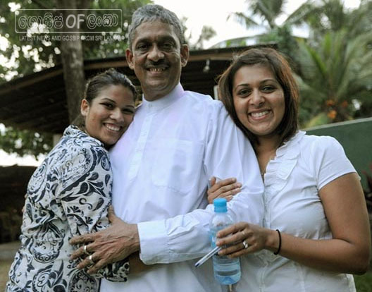 Field Marshal Sarath Fonseka and family members to contest general election 2015