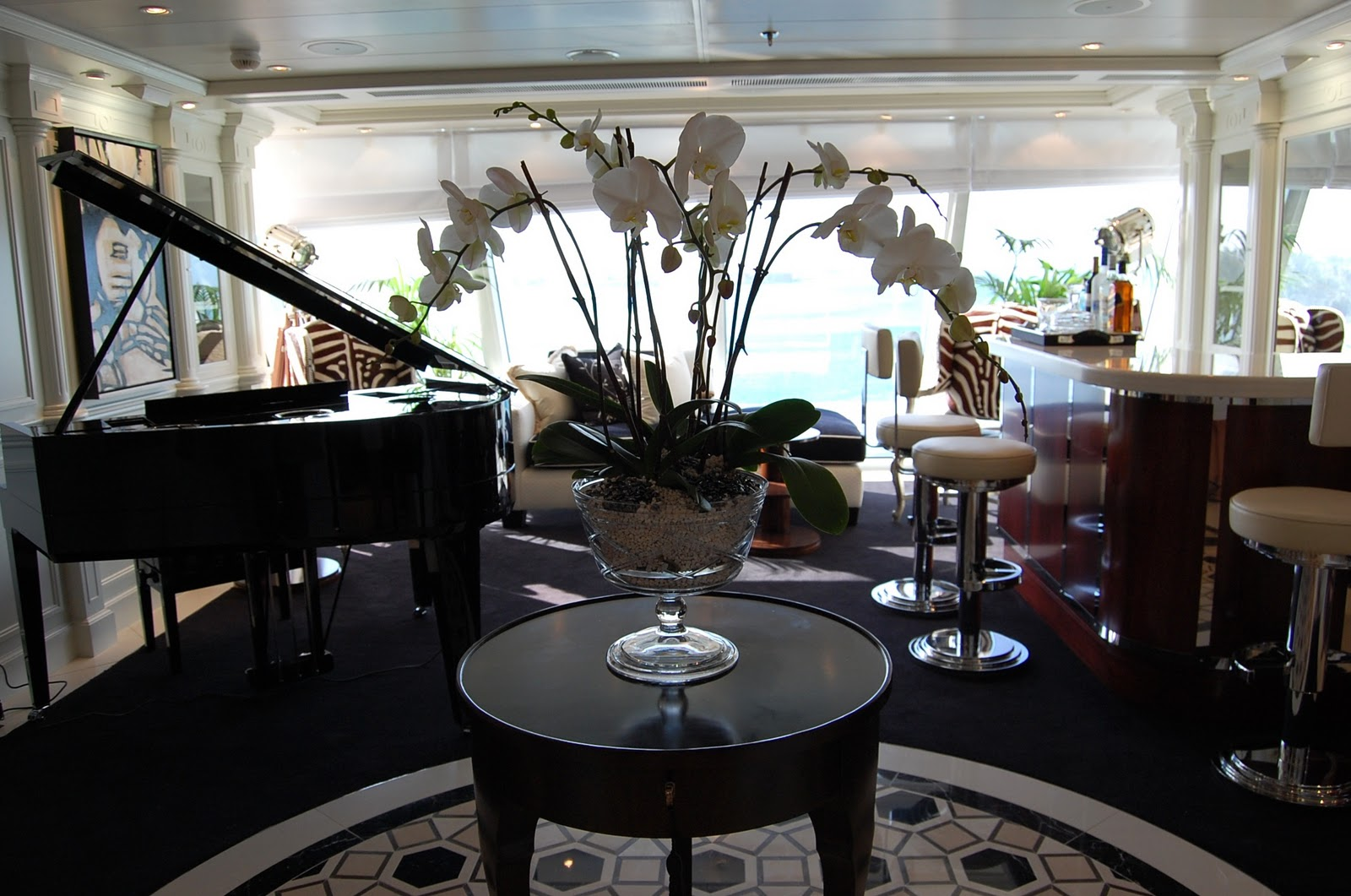 ralph lauren at sea ellegant home design it was decorated by susan bednar long of s b long interiors in collaboration with ralph lauren