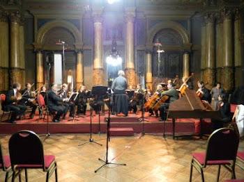 Hernàn grabando de la Orquesta de Càmara de la Municilpalidad de la Plata, interpretando una obra d