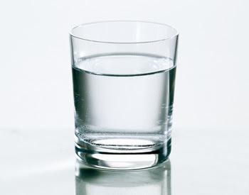 7 manfaat utama mengkonsumsi air putih bagi kesehatan