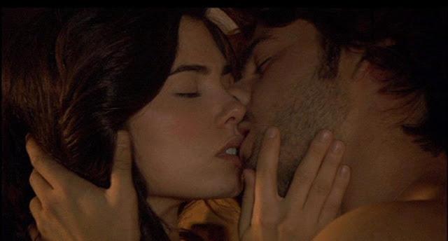 Beso de María y Gonzalo en El Secreto de Puente Viejo