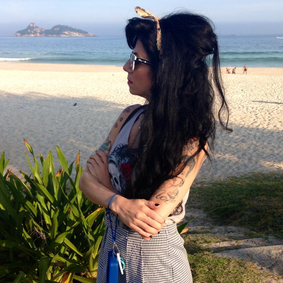 Sósia Amy Winehouse na Barra da Tijuca
