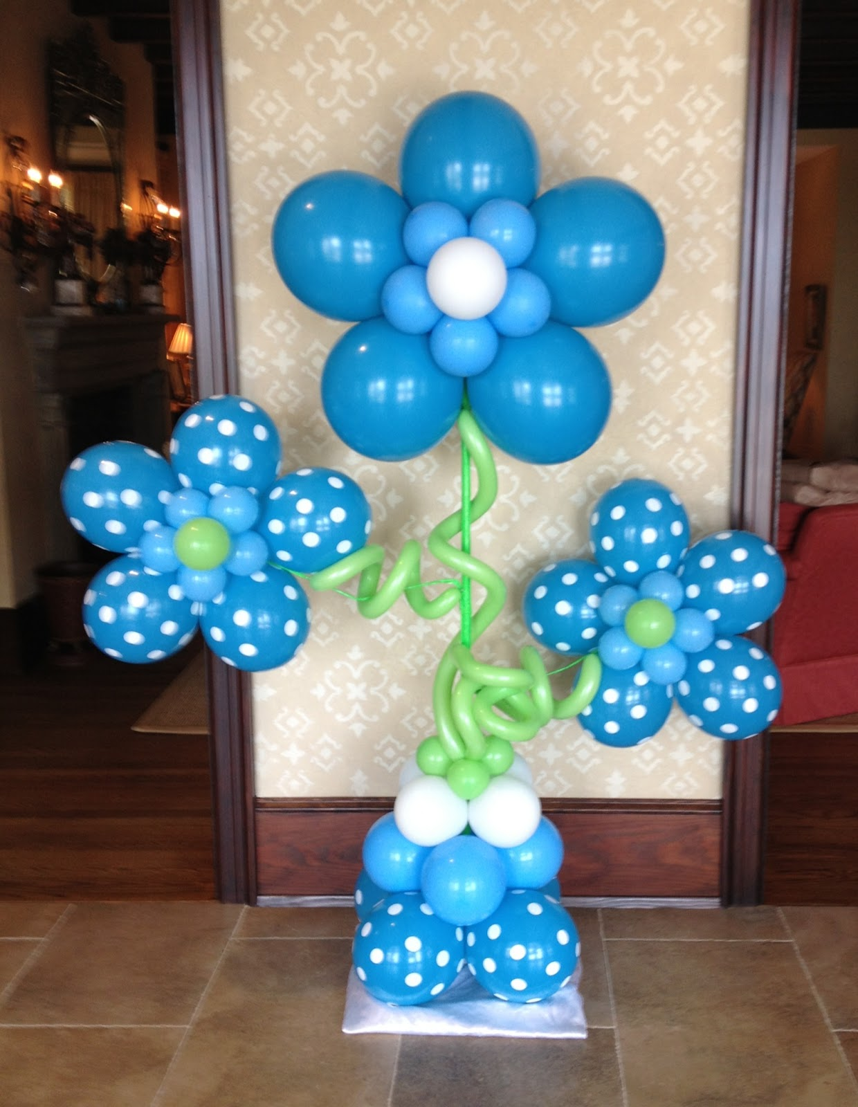 Balloon decorating ideas for baby showers party favors ideas for Baby shower wall decoration ideas