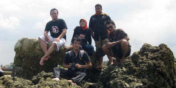 Pantai Wisata Dalegan Gresik Jawa Timur