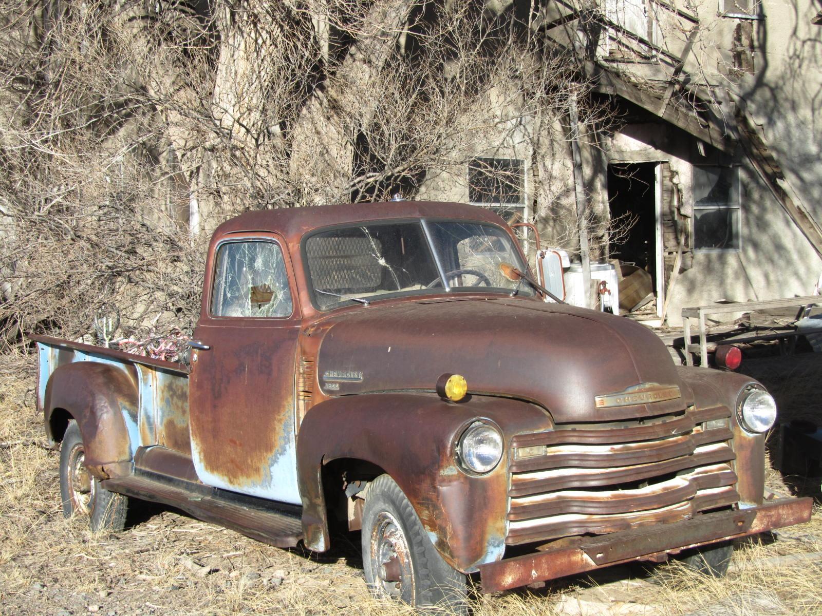 autoliterate: 1950 Chevrolet 3800, Des Moines, New Mexico
