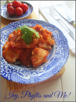 POTATO GNOCCHI WITH TOMATO SAUCE