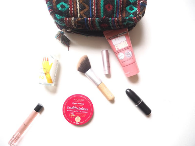 handbag beauty essentials, what's in my bag, travel beauty, makeup, hand sanitiser, hand cream, lipstick, mac modesty, zara eau rose perfume, fresh sugar lip treatment, rosé, bourjois healthy balance powder, beauty
