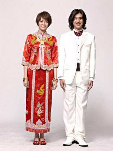 Wedding lady traditional chinese wedding dress for Traditional chinese wedding dress hong kong