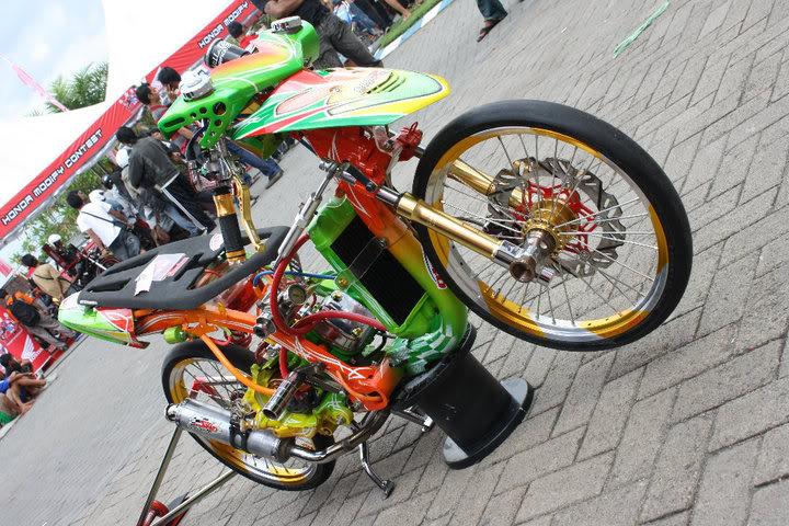 Modifikasi Mio Racing Look title=