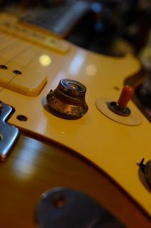 大野楽器オリジナルギター ストラトポール レリック エイジド ブラスパウダー塗装 クラック