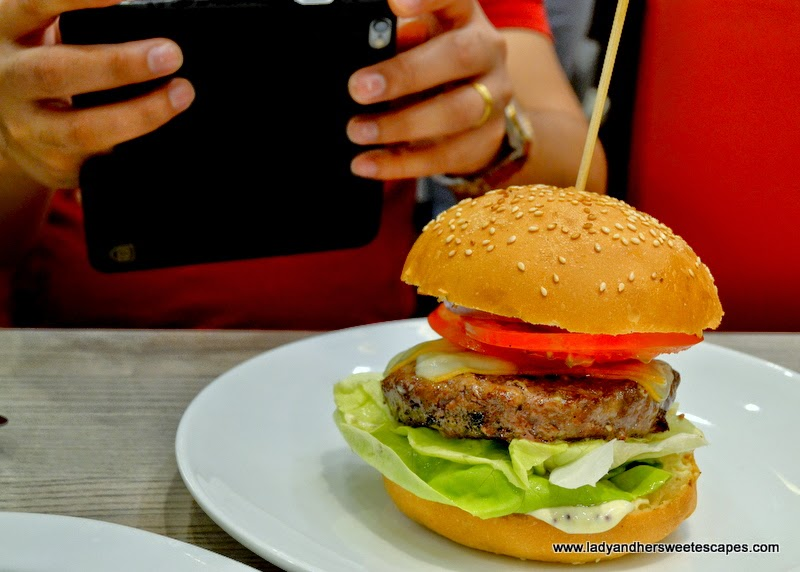 foodstagramming in Gourmet Burger Kitchen Dubai