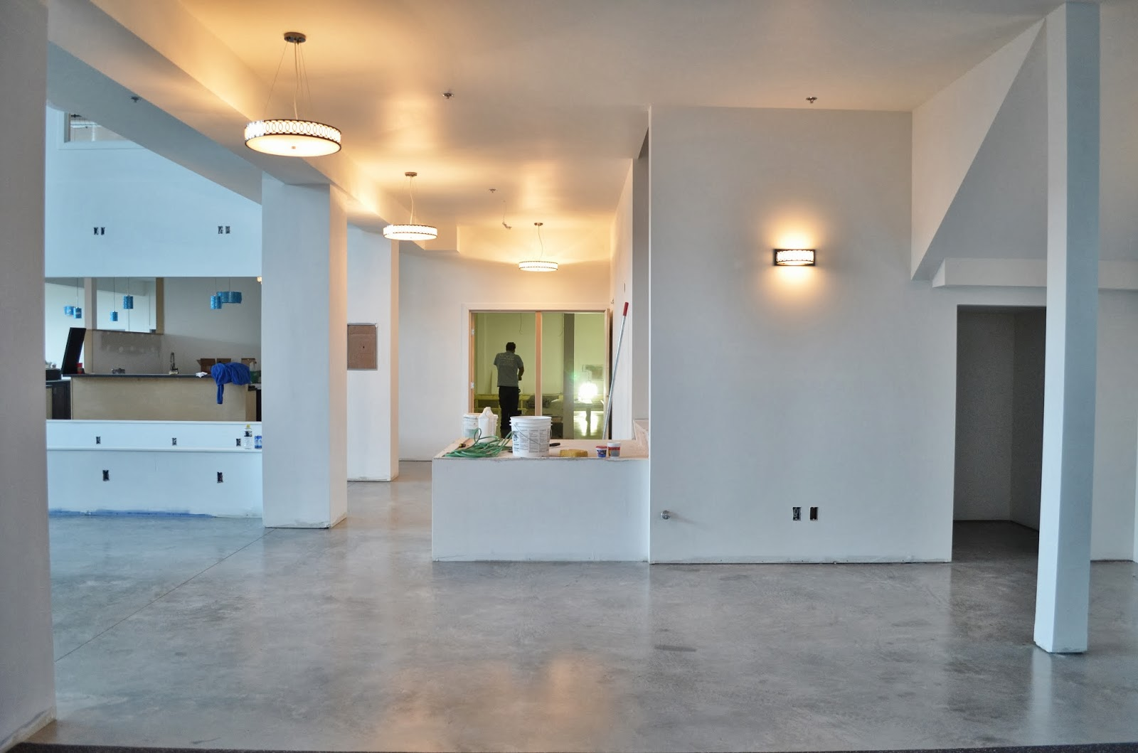 MODE CONCRETE: Raw Concrete Floors Naturally Look Clean and ...
