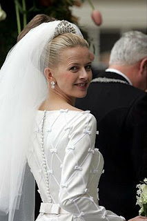 Wedding Wednesday: Princess Mabel\'s Gown