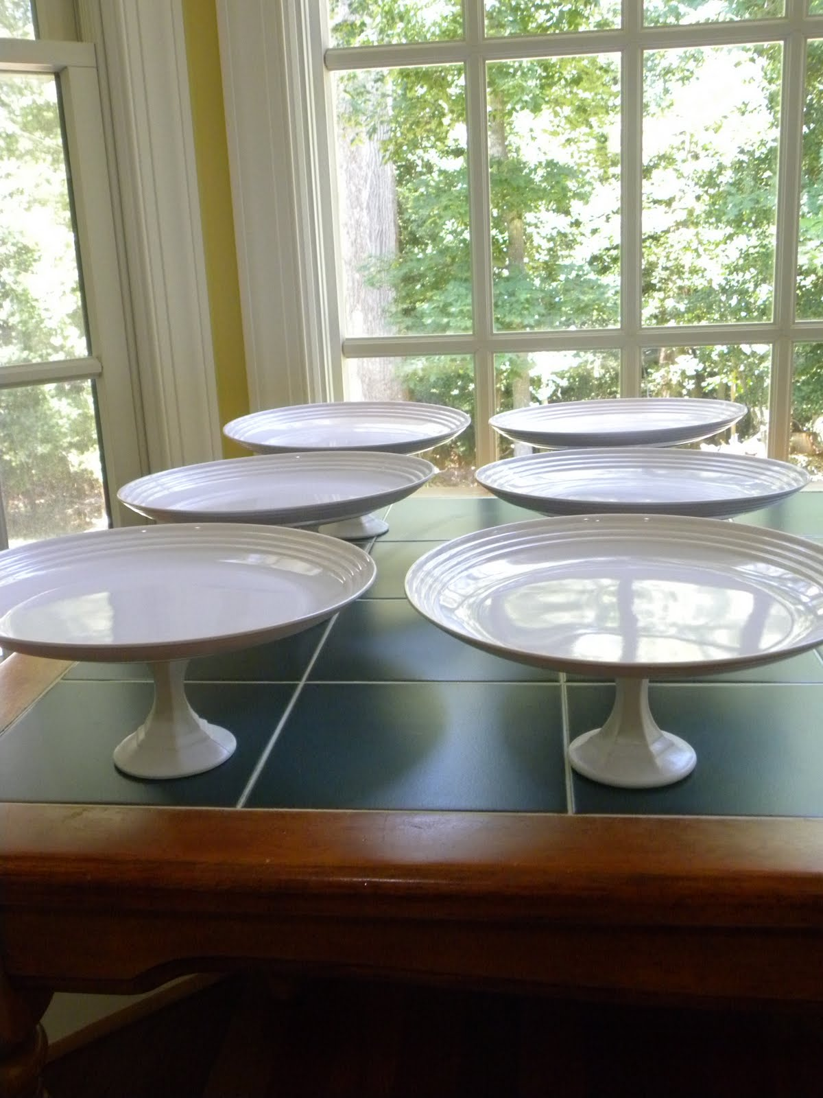 Diy cake stands oh my fiesta in english for Plate cake stand diy