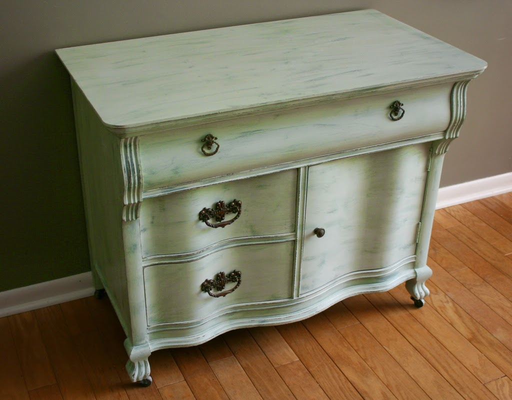 Roots and wings furniture blog no 82 antique serpentine Very light mint green paint