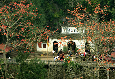 Huong Pagoda, a famous landscapes and a historical culture
