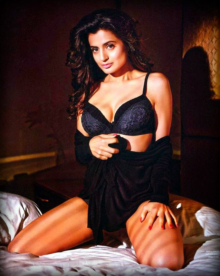 Ameesha Patel Hot sexy Photos and