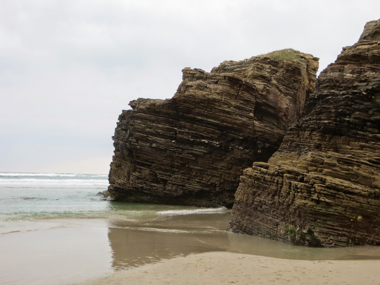 Playa de las Catedrales. As Catedrais Beach (Ribadeo, Spain) - Café Society XXI