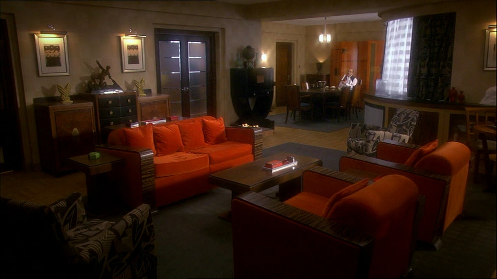 The chronology of agatha christie 39 s poirot apartment for Apartment furniture