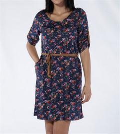 çiçek desenli elbise modeli