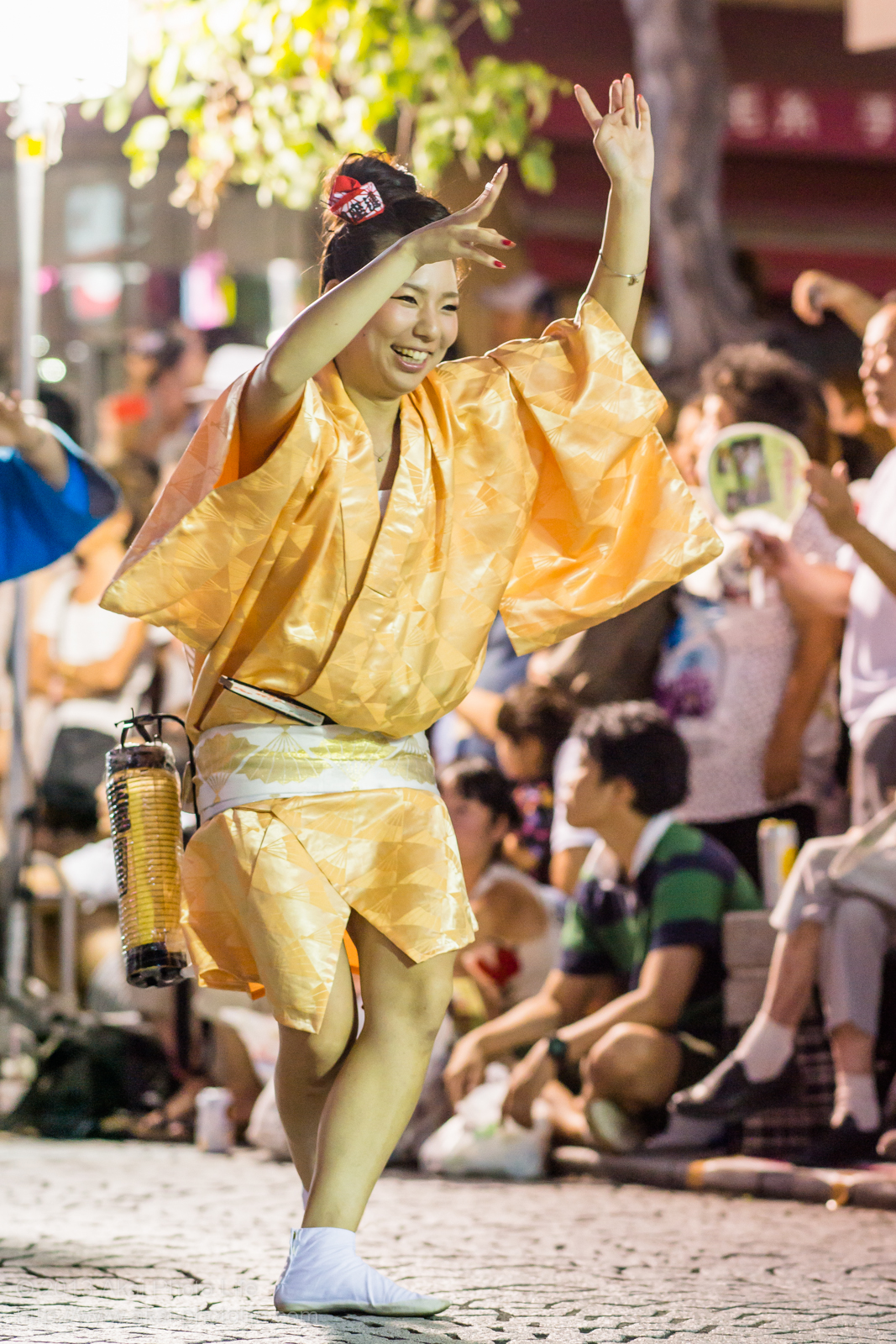 三鷹阿波踊り、みたか銀座連の女性の素手踊り