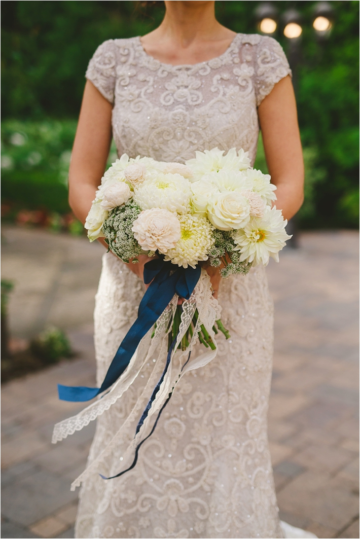 White & ivory wedding bouquet by Bella Bloom Floral Designs // Photo by Closer to Love Photography via @thesocalbride