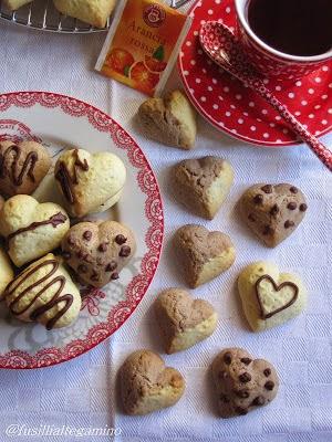 Biscotti cuore e cioccolato