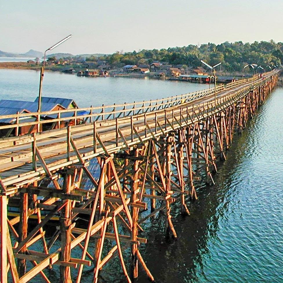 Uttamanusorn Brücke - Saphan Mon