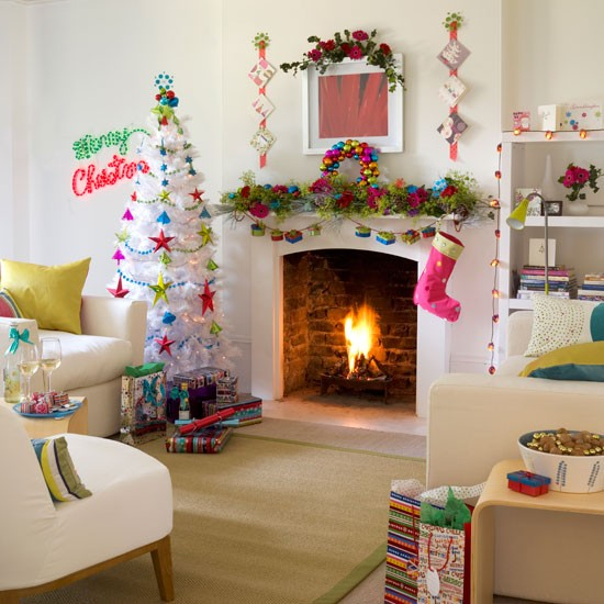 Ideas To Decorate Your Room Stunning With Christmas Living Room Decorating Ideas Pictures