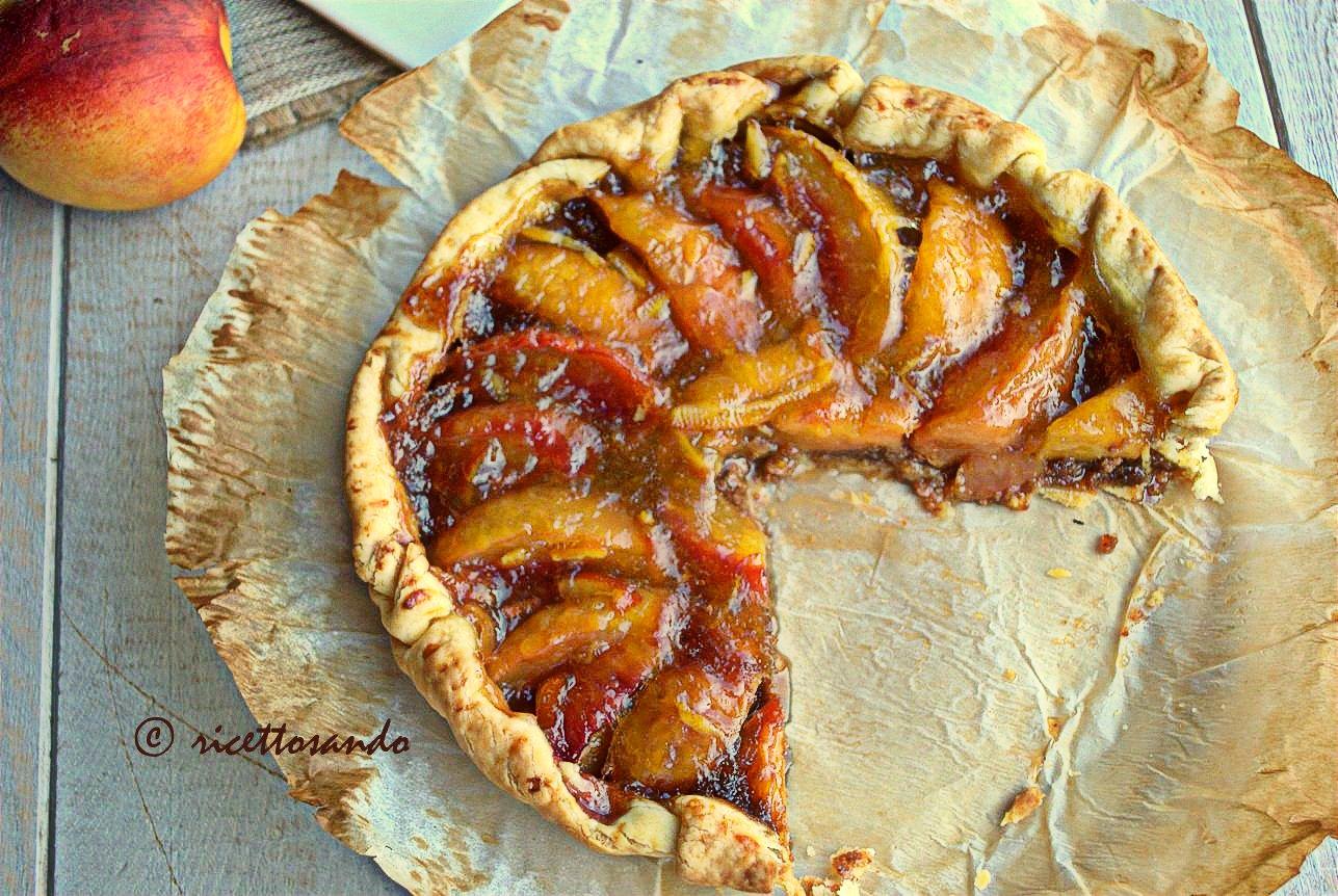 Crostata di pesche ricetta dolce di torta alla frutta
