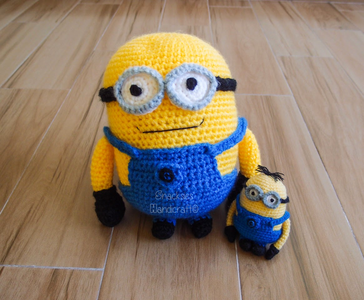 Free Crochet Pattern For Minion Toy : Big Minion Amigurumi ~ Snacksies Handicraft Corner