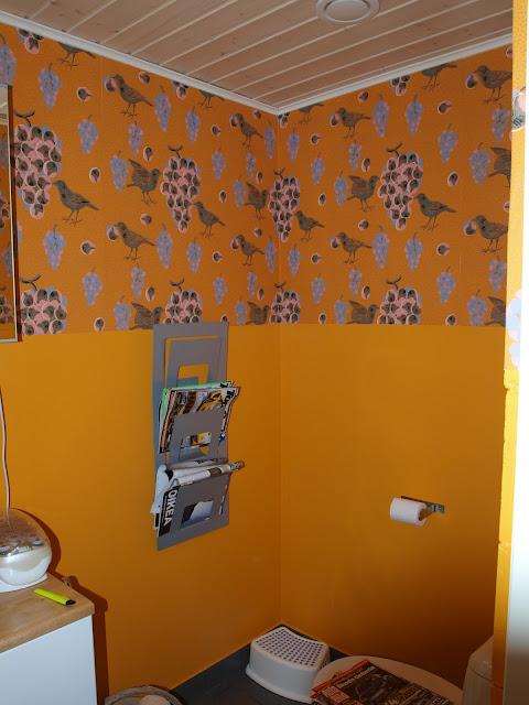 Birger Kaipiainen ken kiuruista kaunein tapetti wallpaper Pihlgren Ritola Tapettitalo