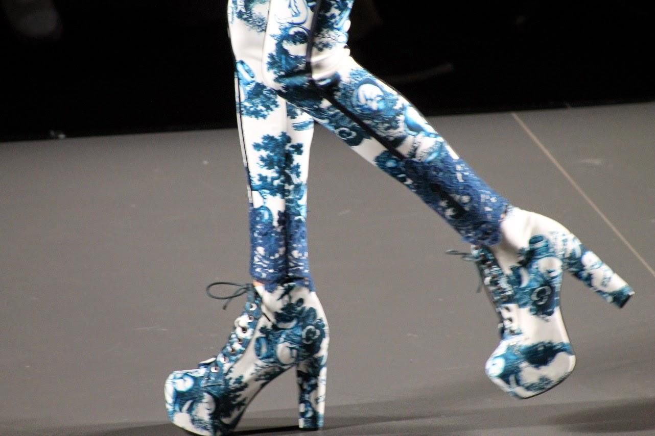Desfiles, MBFWMadrid, Maya Hansen, Elle, Los Sims4, Yo soy un Sims, Cool, Style, Street Style, Carmen Hummer, Fashion Blogger, Dr. Martens, Fred Perry, Isadora Comillas