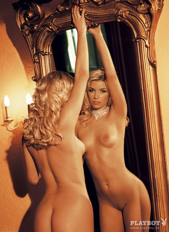 big booty latinas posing together nude