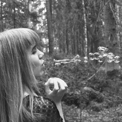 Ulla, 22