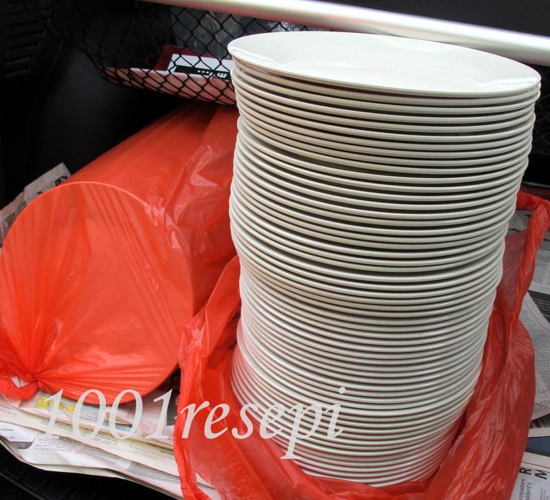 120 pinggan makan each RM4.60 selepas merayu-rayu ngan abang bangla ...