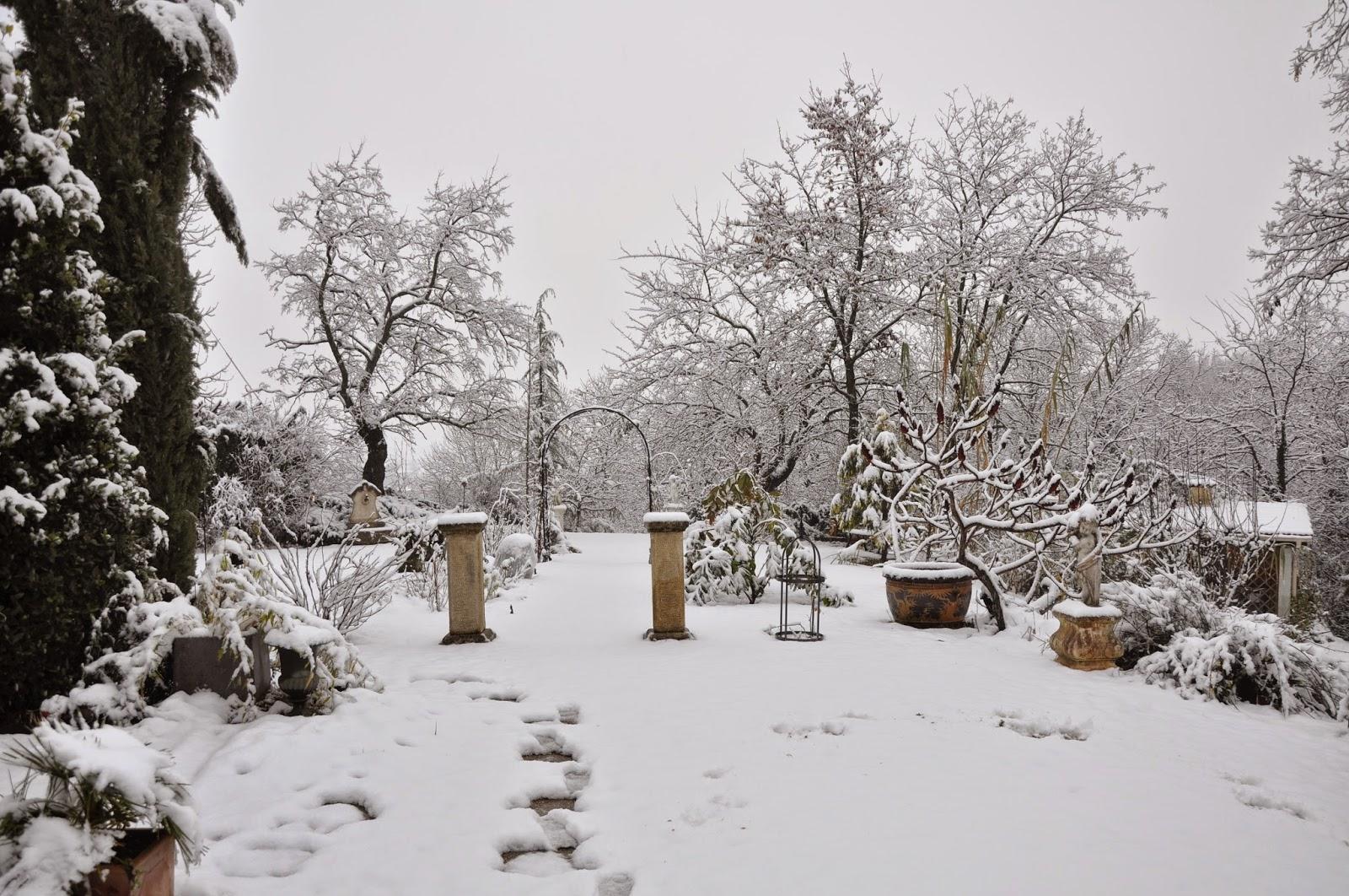 le jardin du bois joli blanche neige au bois joli. Black Bedroom Furniture Sets. Home Design Ideas