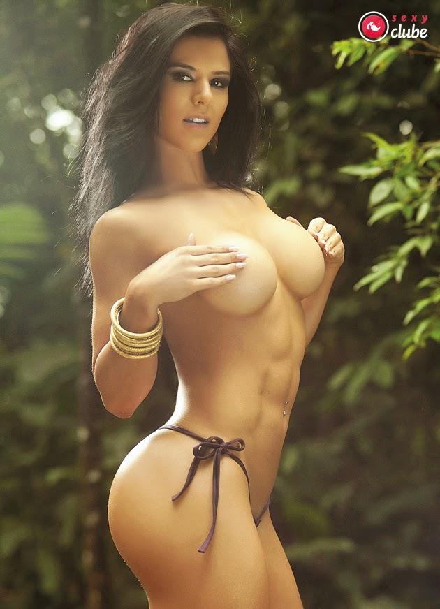 sportsmenki-topless