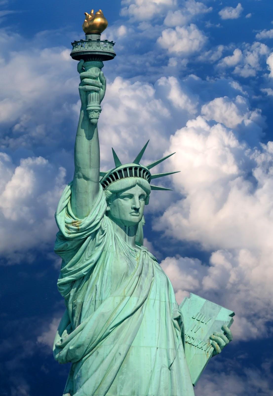 Madre mia del amor hermoso estatua de la libertad for Interior estatua de la libertad